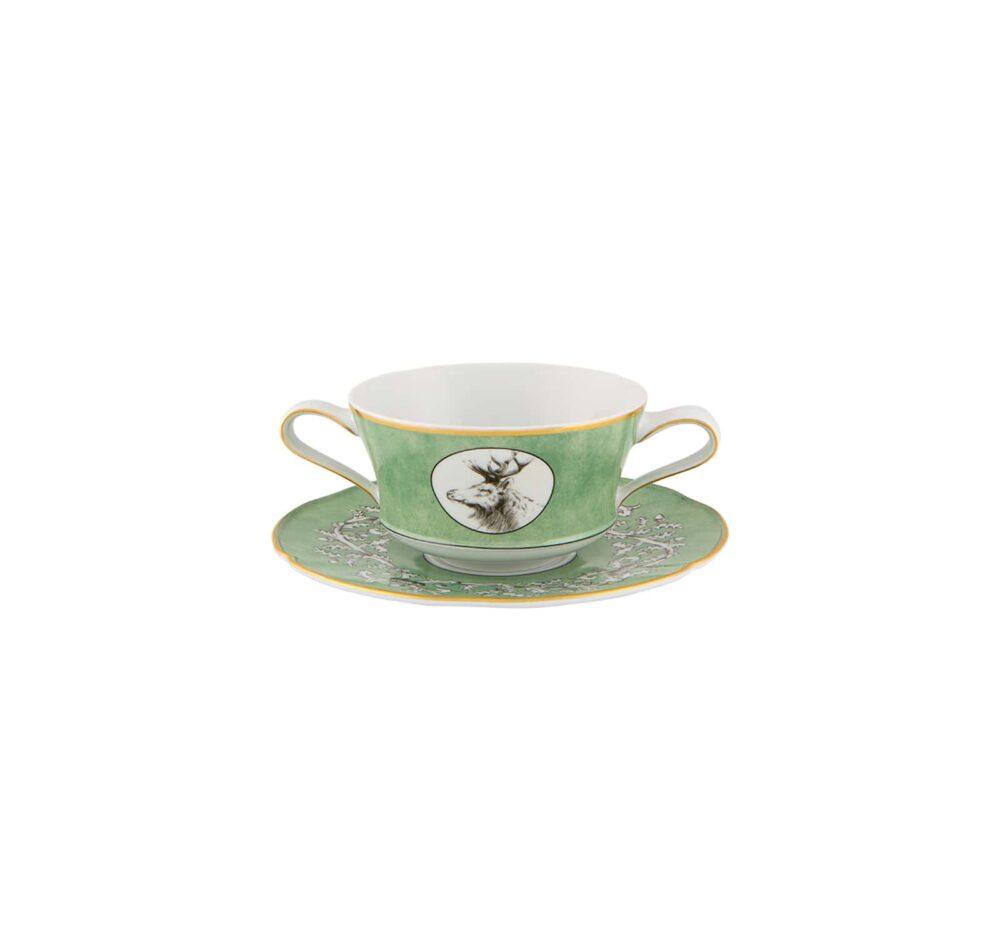Taza de consomé con plato de la Vajilla del Palacio de Liria.